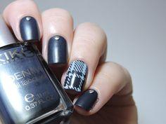 Denim plaid nails http://marinelovespolish.blogspot.fr/2014/07/denim-plaid-nails.html