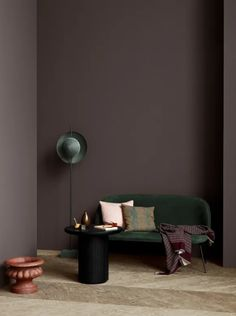 The Scandinavian company Jotun Lady predicts the interior colour trends of 2020 with 12 new colours Dark Interiors, Colorful Interiors, Scandinavian Interiors, Scandinavian Design, Home Interior Design, Interior Styling, Interior Wall Colors, Purple Interior, Interior Shop