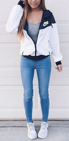 Amazing Casual Fall Outfits You Need to The police officer This Saturday and sunday. Get inspired with your. casual fall outfits for teens Outfits 2016, Stylish Outfits, Winter Outfits, Cute Sporty Outfits, Winter Clothes, Summer Clothes, Cute Casual Outfits For Teens, Gym Outfits, Shorts Outfits For Teens