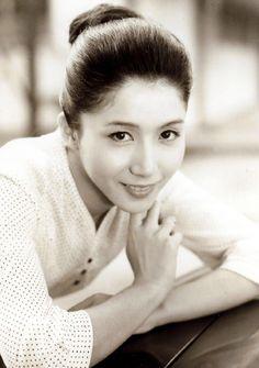 """taishou-kun: """"Iwashita Shima 篠田 志麻 - Japan - 1960s """""""