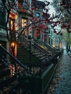 Cozy Aesthetic, Autumn Aesthetic, Travel Aesthetic, Cozy Rainy Day, Rainy Days, City Rain, Rainy City, Beautiful Places, Beautiful Pictures