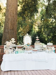 These are our favorite bridal shower tea party ideas. If you love the idea of a classic pre-wedding party, this theme is perfect for you. Bridal Shower Desserts, Bridal Shower Centerpieces, Bridal Shower Cakes, Tea Party Bridal Shower, Wedding Desserts, Bridal Showers, Jam Wedding Favors, Edible Wedding Favors, Purple Wedding Cakes