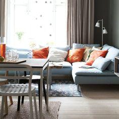 SODERHAMN combinación de sofá, Isefall turquesa claro ; TISDAG lámpara de pie LED €99 Blanco [002.092.07] REIDAR silla €49,99 Blanco [701.775.09]