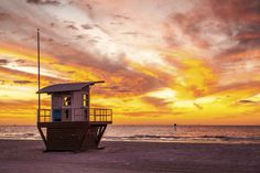 For a long stretch of white sand that's also close to bigger cities, head to Clearwater Beach.