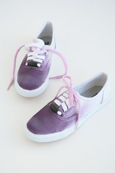 DIY sneaker makeovers: LOVE these ombre sneakers from Oleander and Palm and the DIY is pretty easy.