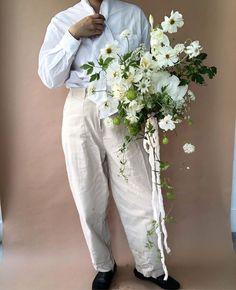 Winter Bridal Bouquets, Winter Bouquet, White Wedding Bouquets, Bride Bouquets, Flower Bouquet Wedding, Bridesmaid Bouquet, Floral Wedding, Romantic Flowers, Bridal Flowers