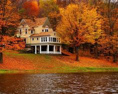 My dream home is to live on a lake in the country where I can find peace, tranquility, privacy and beauty all rolled into one and still have my favorite season of Autumn but still get the joys of summer and spring and winter! Autumn Lake, Autumn Scenery, Beautiful Homes, Beautiful Places, House Beautiful, Fall Vacations, Haus Am See, Lake Cabins, Architecture