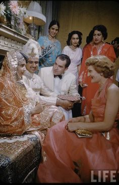 Wedding Ceremony of Syed Babar Ali at Pakistan Embassy in Washington Dc USA in Presence of Vice President Richard Nixon - 1954 - Old Indian Photos Desi Wedding Dresses, Pakistani Bridal Dresses, Jaisalmer, Udaipur, Vintage India, Indian Bridal Fashion, Evolution Of Fashion, Vintage Bollywood, Varanasi