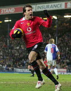 Ruud Van Nistelrooy after scoring against Blackburn Rovers Football Drills, Best Football Players, Soccer Players, Manchester City, Manchester United Players, Cr7 Messi, Neymar, Tottenham Hotspur, Newcastle