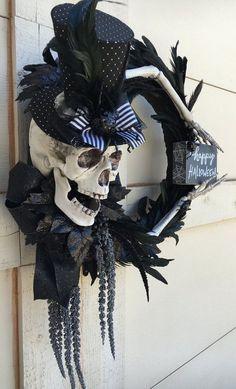 Spooky Halloween, Halloween Skeletons, Outdoor Halloween, Holidays Halloween, Happy Halloween, Halloween 2020, Halloween Porch Decorations, Halloween Home Decor, Halloween Projects