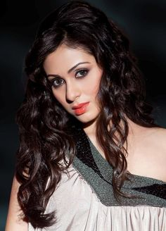 Sadha - Sadha New Stills - Actress Sadha New Photoshoot - Actress Sadha Latest Pics - Actress Sadha Wallpapers - Actress Sadha Cute Photos @tollywoodactress.in