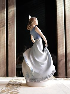 Decoration is in pastel colors with a matte finish. It was made around 1980 so it hides a lot of charm and great spirit. If you are a collector of these Royal Dux figurines this beautiful piece if suited for your personal collection. Dimensions are 13,0 x 10,5 x 26,5 cm. Do not Spanish Dancer, Antique Shops, Pastel Colors, Anna, Spirit, It Is Finished, Antiques, Decoration, Trending Outfits