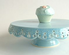 How adorable! Maybe I could dol this - just find two baby blue glass pieces to glue together..