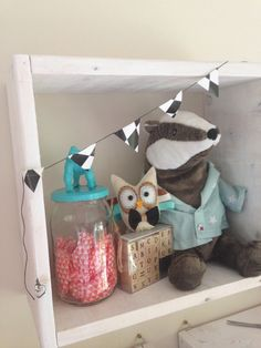 My shelves are made W/H, deep, painted with the cheapest white paint from hardware store.its DIY on the budget! Diy Bow, Diy Hair Bows, Diy Headband, Baby Headbands, Diy Finger Knitting, Tutu Decorations, Felt Kids, Crochet Wreath, Diy Quiet Books