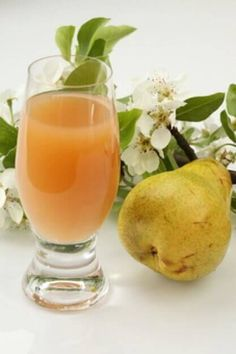 Päärynä on epäilemättä yksi terveellisimmistä ja hyödyllisimmistä hedelmistä, mitä saattaa olla: aarre virkistävillä ominaisuuksilla, jota ei kannata jättää väliin.