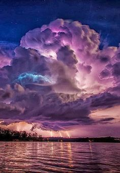 ✯ Spectacular lightning storm at Lewis Smith Lake near Jasper, Alabama. Photo Credit: Kevin Beasley via - The lightening is incredible, but the image of the man in the clouds above the lightning is also amazing! All Nature, Science And Nature, Amazing Nature, Beautiful Nature Pictures, Beautiful Sky, Beautiful World, Beautiful Places, Beautiful Disaster, Stunningly Beautiful