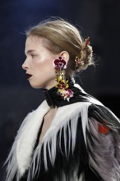 See detail photos for Rodarte Fall 2016 Ready-to-Wear collection.