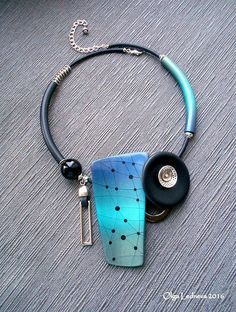 Necklace of CERNIT Shiny: №630 (green duck), №276 (cosmos), №200 (blue), №600 (green) and CERNIT №1: №100 (black). | by Ольга Леднева