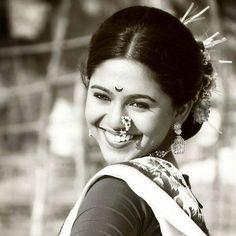 IT'S PG'LICIOUS — Mrunmayee deshpande wearing  marathi nth