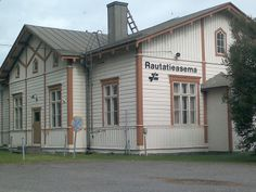 Railway station Alavus, Finland. Scandinavian Countries, Beautiful Buildings, Old Houses, Finland, Nostalgia, Southern, Childhood, Villa, Train