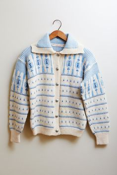 Vintage 1960s Norwegian Handmade 100% Wool Sweater White w/ Blue Patterns BEAUTIFUL