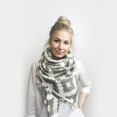 SPRING Blanket Scarf, Light Weight // 100% Cotton // Gray + Ivory Aztec Pattern