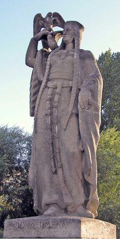 Doña Jimena, esposa del Cid Campeador - Portal Fuenterrebollo San Pablo, Effigy, European History, Medieval Art, Family History, Valencia, Street Art, Statue, Ancestry