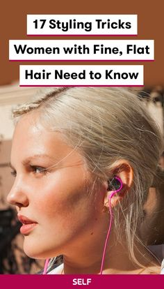 Many people with fine, flat hair will tell you that it can be difficult to hold curls or add natural-looking volume—and no one wants droopy, limp hair halfway through the day. To learn how to add gorgeous volume that stays put until happy hour, SELF talke Bob Hairstyles For Fine Hair, Haircuts For Fine Hair, School Hairstyles, Haircut Thin Fine Hair, Easy Mom Hairstyles, Long Haircuts, Hairstyles Pictures, Men's Hairstyles, Unique Hairstyles