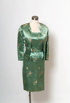 50 代のヴィンテージドレス/中国シルク刺繍/Vintage 50 代 2 pc ドレス by VintageBoxFashions