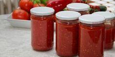 Kışlık Domates Püresi Food N, Food And Drink, No Gluten Diet, Marinated Tomatoes, Wie Macht Man, Health Heal, Turkish Recipes, Winter Food, Summer Salads