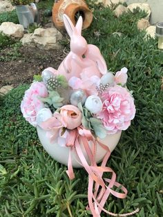 Diy Easter Decorations, Fall Flowers, Easter Wreaths, Spring Crafts, Happy Easter, Easter Eggs, Centerpieces, Arts And Crafts, Christmas Ornaments