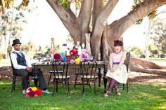 Veja essas lindas fotos de um casamento real inspirado no filme A Fantástica Fábrica de Chocolate! Ispire-se nesta doçura cheia de cores e vida! ♥