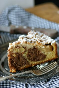 Apple and hazelnut cake with crumble and cinnamon - tasty and easy - Cake Recipes Easy Ideen Baking Recipes, Cake Recipes, German Baking, Hazelnut Cake, Gateaux Cake, Sweet Bakery, Xmas Food, Cakes And More, Coffee Cake
