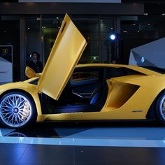 #lamborghini #aventador #lamborghiniaventador #yellow #cool #nice #amazing #awesome #photooftheday #photography #follow4follow #f4f