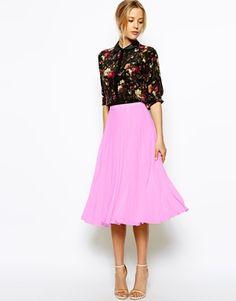Discover midi skirts with ASOS. Shop from a range of pleated, A-line skirts, calf length skirts and other midi skirt styles. Shop today at ASOS. Pink Pleated Midi Skirt, Midi Skirts, Denim Skirts, Asos Petite, Ladies Day, Ideias Fashion, High Waisted Skirt, Dress Up, Costume