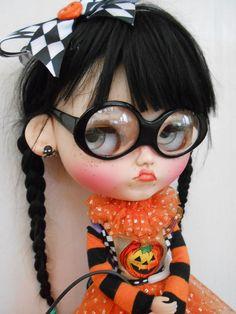 Grumpy Blythe :(