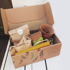 Creative Box, Creative Gift Wrapping, Seed Packaging, Packaging Design, Craft Kits, Diy Kits, Coffee Gift Baskets, Fond Design, Planting For Kids