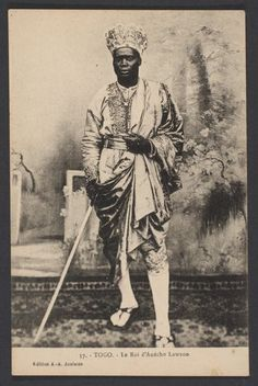 History Discover King Lawson of Anecho Togo 1933 African History African Culture African Art African Empires African Image African Tribes African Diaspora Foto Black Royalty African Tribes, African Diaspora, African Art, African Image, African Empires, African Culture, African American History, Orisha, Black History Facts