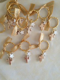 20 pcs Martyrika-Key Chain-Baptism Favors-Bridal Favors-Baby Shower Favors-First Communion Favors. First Communion Favors, Première Communion, Baptism Favors, First Holy Communion, Baby Shower Favors, Baby Girl Baptism, Baby Christening, Baptism Party Decorations, Wedding Bracelet