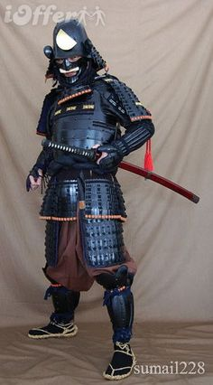 By the 16th Century, armour was reaching its peak of design efficiency. High ranking samurai might have bullet-proof cuirasses and helmet bowls, while the expensive tradition of using thousands of individually laced scales - which created weight and a haven for lice - gave way to lamellar plates, sparingly laced or even riveted.