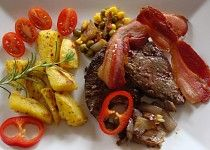 Vepřová játra jako minutka Pot Roast, Steak, Beef, Ethnic Recipes, Red Peppers, Carne Asada, Meat, Roast Beef, Steaks
