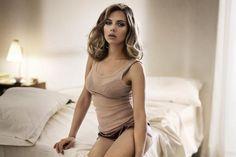 Top 10 Hottest Women in The World - Glitzyworld