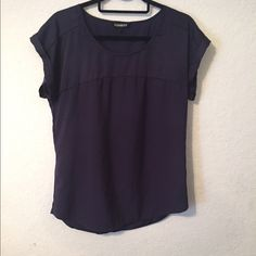Navy Express short sleeve blouse medium Navy express blouse purchased from the store within the past year. From smoke free and pet free home, no trades please! Express Tops Blouses