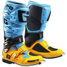 Mx Boots, Biker Boots, Motorcycle Boots, Cool Boots, Motorcycle Accessories, Riding Gear, Trail Riding, Motocross Gear, Motosport