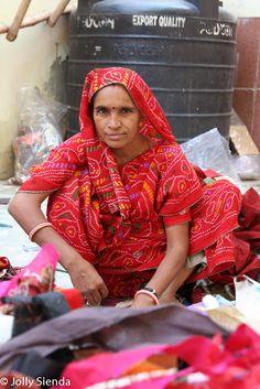 Factory worker. Photo taken by Jolly Sienda, Jaipur, India.
