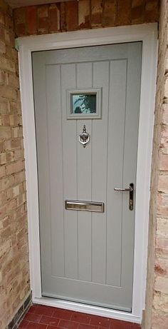 Front door Endurance Door - Stanley - Pearl Grey Quick Tips for Carpet and Rugs: Softness Under Foot Cottage Style Front Doors, House Front Porch, Cottage Door, Cottage Exterior, Grey Front Doors, Wooden Front Doors, Front Door Colors, Interior Barn Doors, Exterior Doors