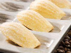 Orangen-Madeleines ist ein Rezept mit frischen Zutaten aus der Kategorie Südfrucht. Probieren Sie dieses und weitere Rezepte von EAT SMARTER!