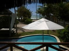Vista de um dos quartos do Nannai Beach Resort.
