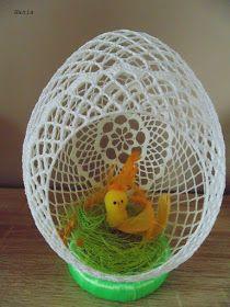 Z Pasją Tworzone : 🌈: Stroiki cz.1 Crochet Cozy, Filet Crochet, Easy Crochet, Egg Crafts, Easter Crafts, Easter Crochet Patterns, Tiny Bird, Easter Projects, Crochet Instructions
