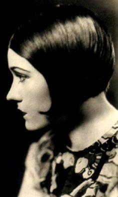 Gloria Swanson (early 1920s)